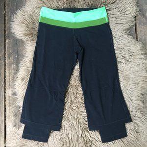 Lululemon black green capris w/layered leg - 6